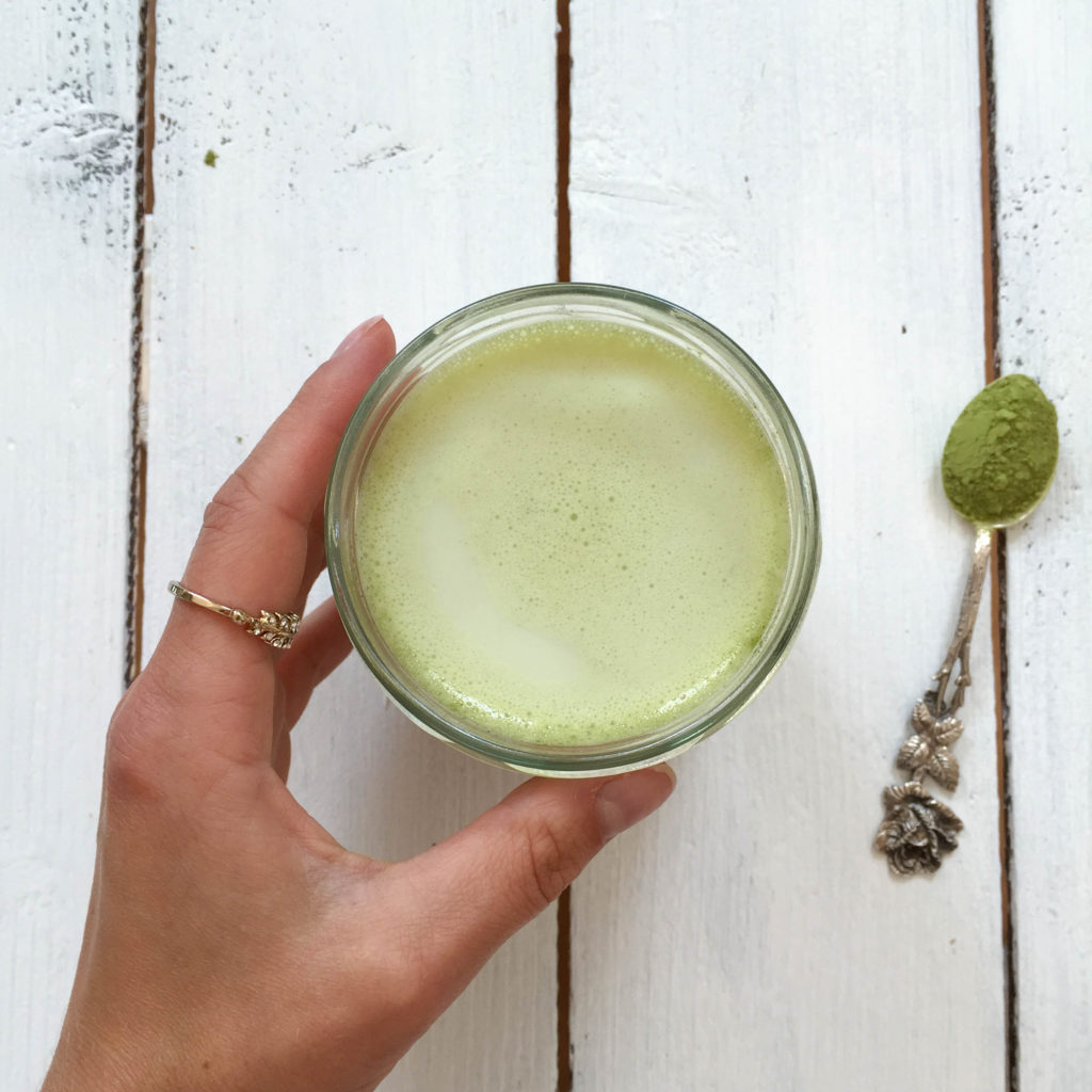 Matcha Green Tea Latte - vegan, plant based, vegetarian, gluten free - heavenlynnhealthy.com