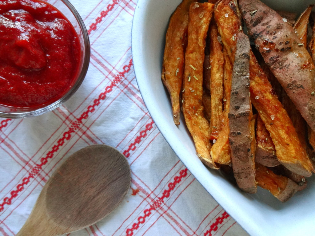 Sweet Potato Fries with Healthy Ketchup