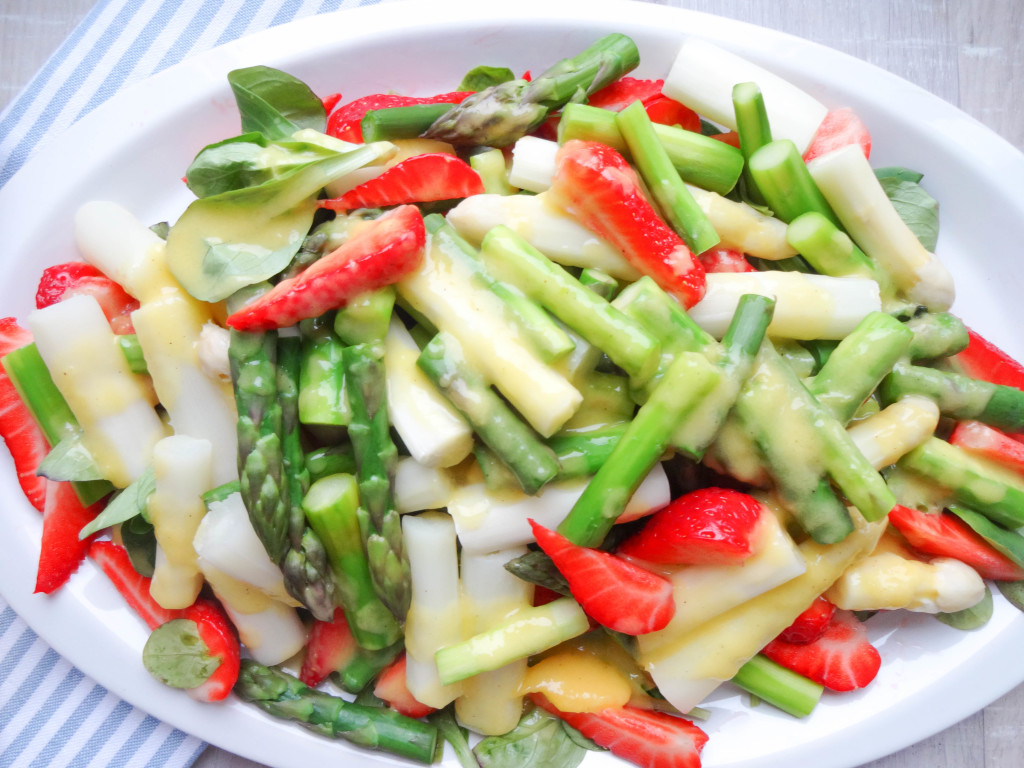 Asparagus Salad with Strawberries and Mango-Vinaigrette