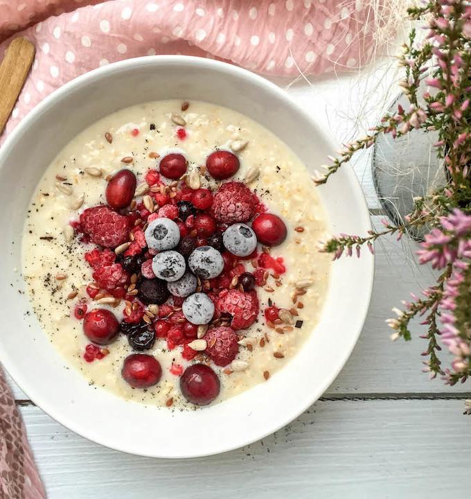 Quick Vanilla Porridge - plant based, dairy-free, gluten-free, refined sugar-free - heavenlynnhealthy.com