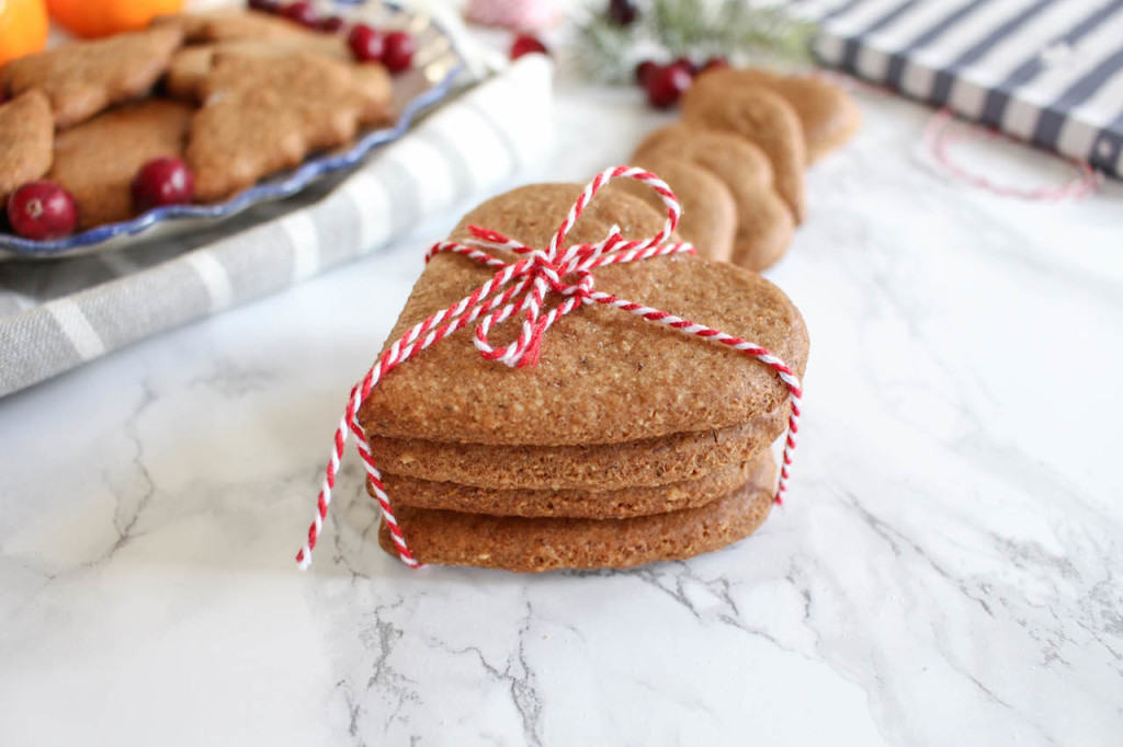 Healthy Gingerbread Cookies - plant based, vegan, gluten free, refined sugar free - heavenlynnhealthy.com