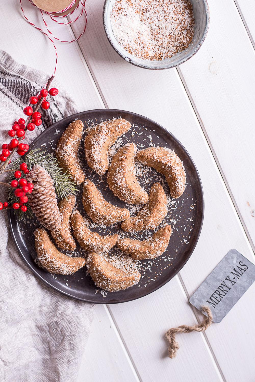 Healthy Vanilla Crescent Cookies - vegan, plant based, gluten free, refined sugar free - heavenlynnhealthy.com
