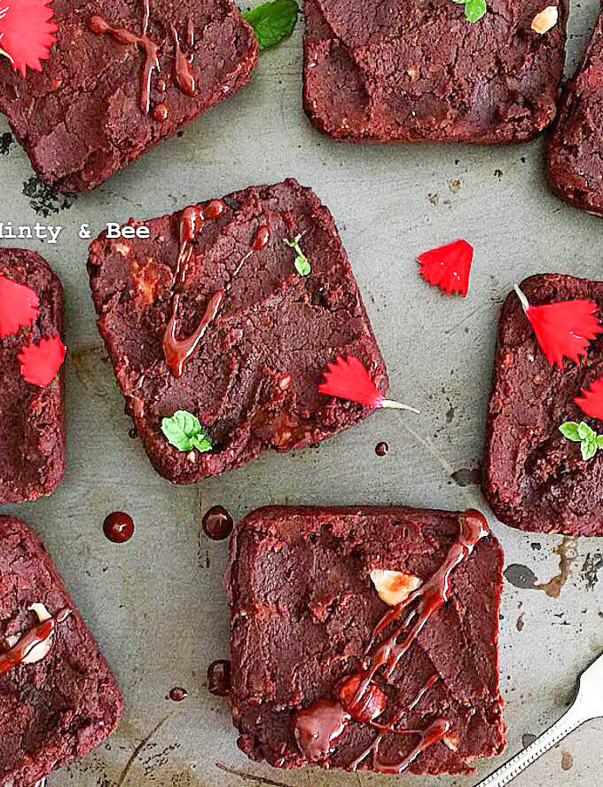 Baked kidney bean brownies - plant based, gluten free, healthy, vegan, refined sugar free - heavenlynnhealthy.com