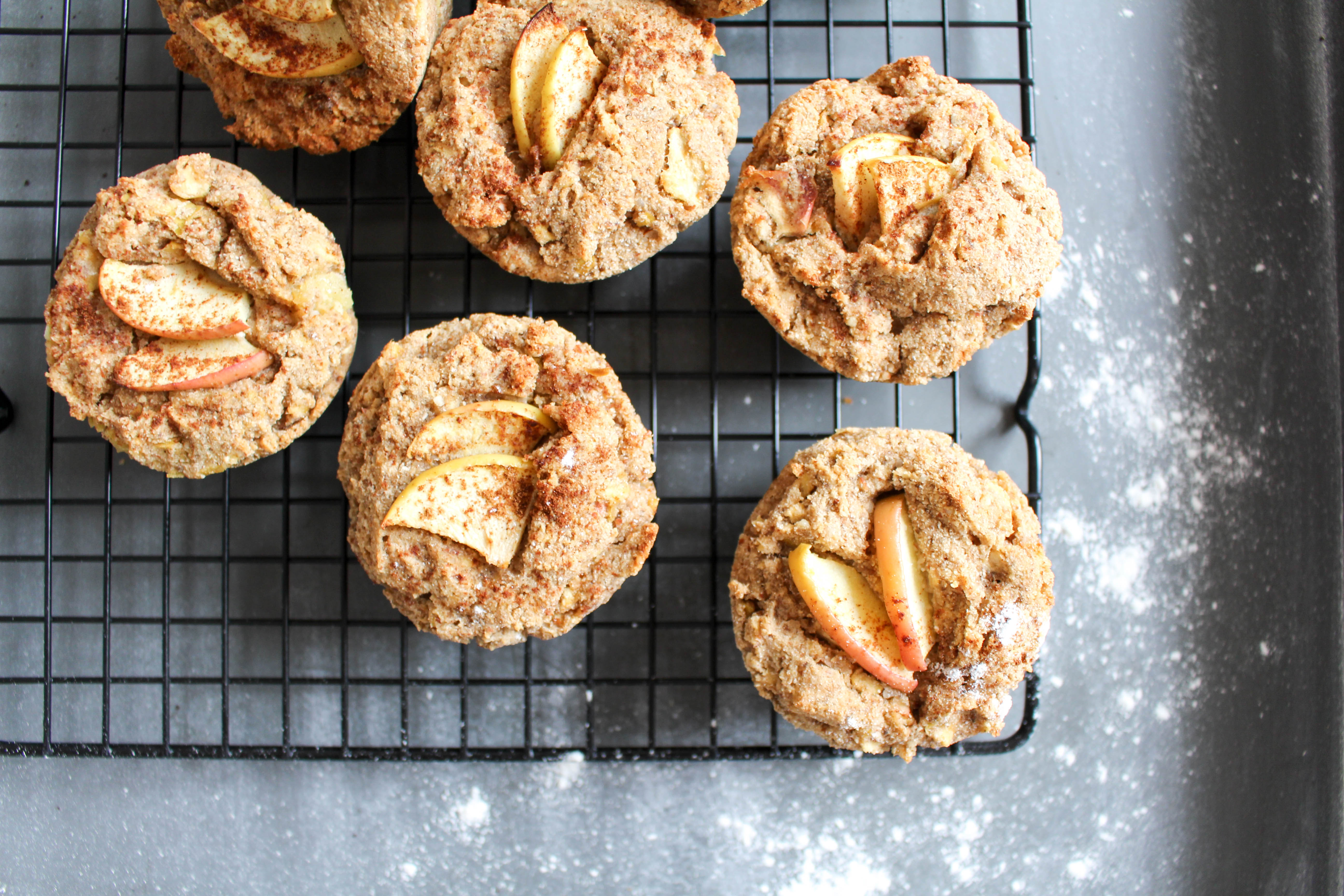 healthy apple cinnamon muffins heavenlynn healthy. Black Bedroom Furniture Sets. Home Design Ideas