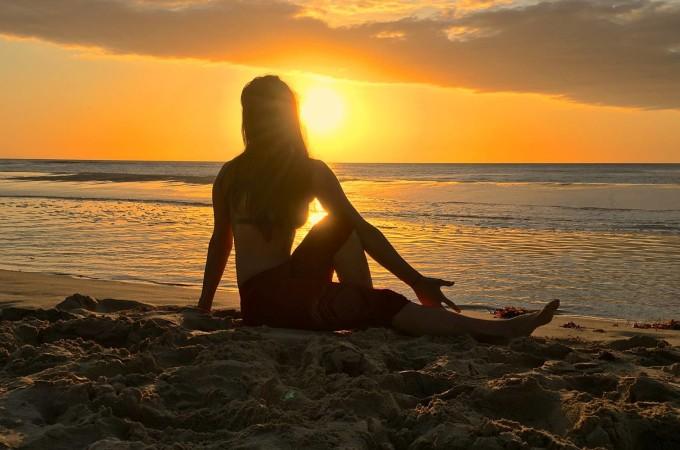 Heavenlynn's Friends - Yara's Soothing Starter Yoga Pose