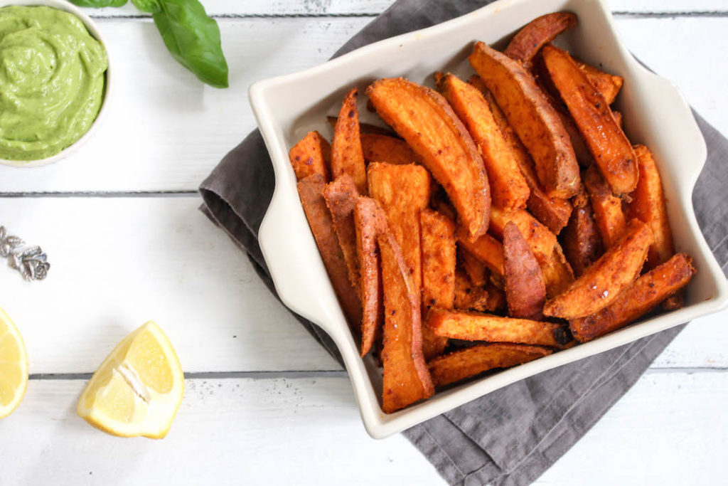 Harissa Spiced Sweet Potato Wedges with spicy Avocado Dip - plant based, gluten free, refined sugar free - heavenlynnhealthy.com