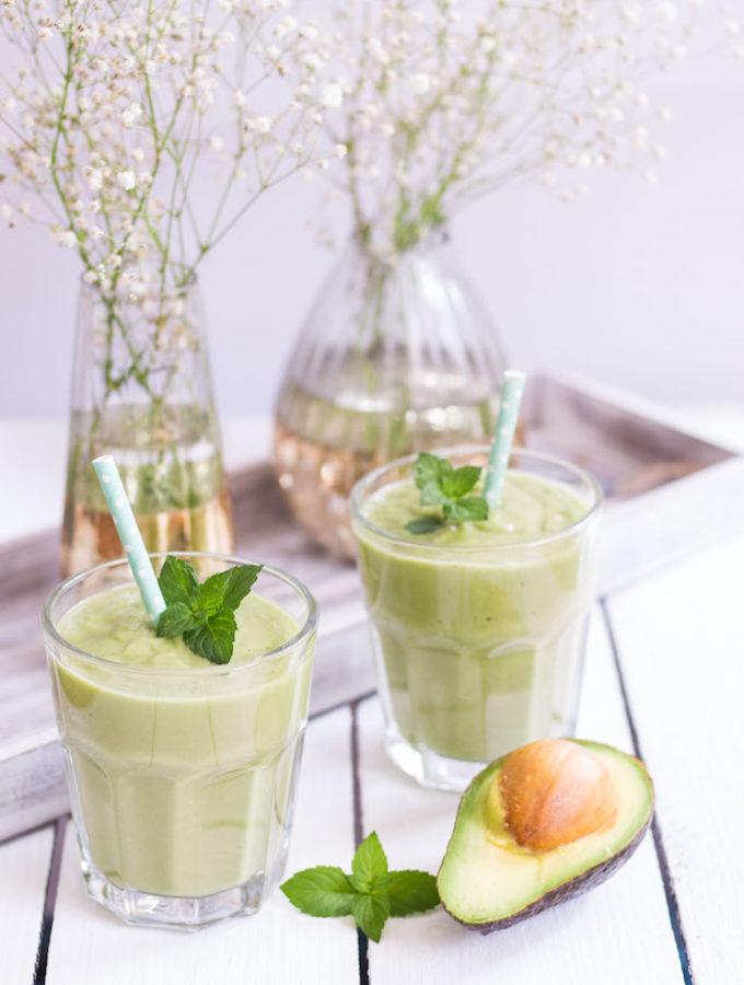 Avocado Pit Smoothie - plant based, gluten free, refined sugar free, vegetarian, vegan - heavenlynnhealthy.com
