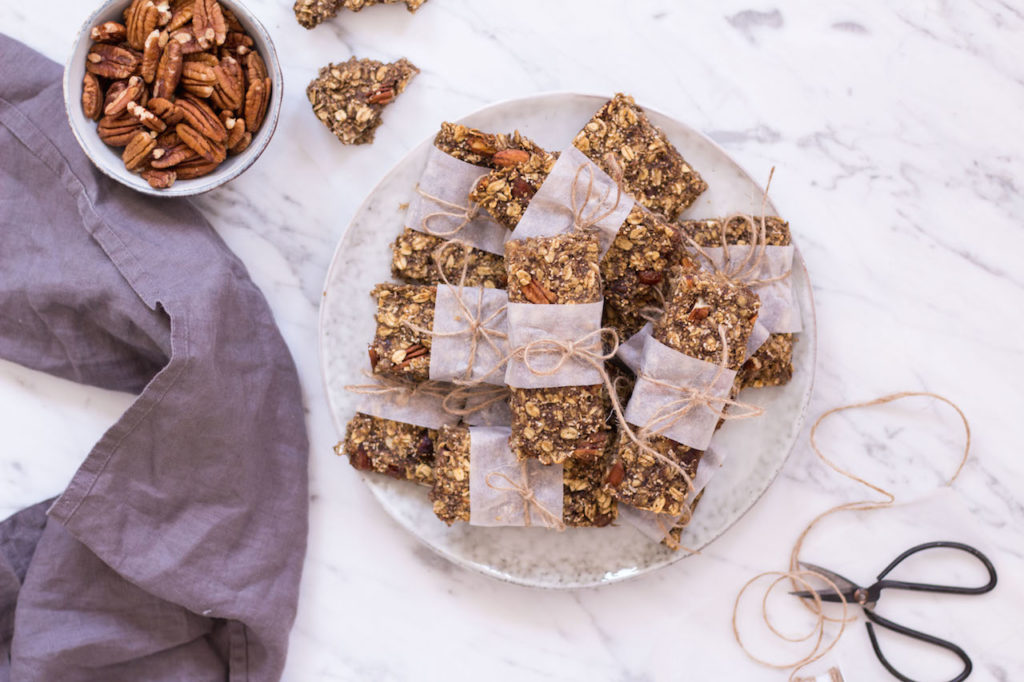 Homemade Amaranth Pecan Granola Bars - vegan, plant based, gluten free option, refined sugar free, healthy - heavenlynnhealthy.com