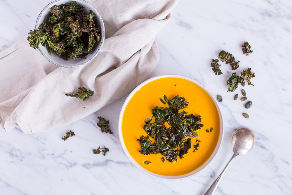 My favorite pumpkin soup with kale chips - vegan, plant based, refined sugar free, gluten free, dairy free - heavenlynnhealthy.com