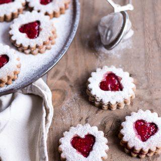Healthy Peanut Butter & Jelly Christmas Cookies (German Spitzbuben) - vegan, plant based, gluten free, refined sugar free - heavenlynnhealthy.com