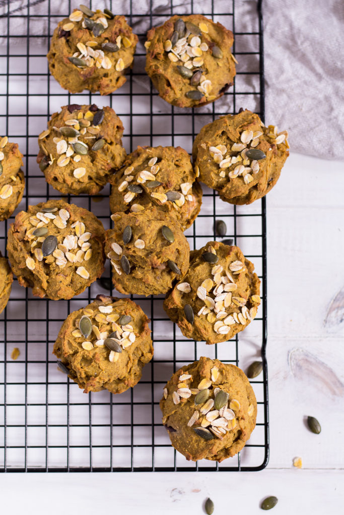 Healthy Pumpkin Muffins - vegan, plant based, refined sugar free, gluten free - heavenlynnhealthy.com