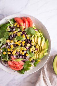 Quick Mexican-Inspired Salat - plant-based, vegan, gluten free, refined sugar free - heavenlynnhealthy.com