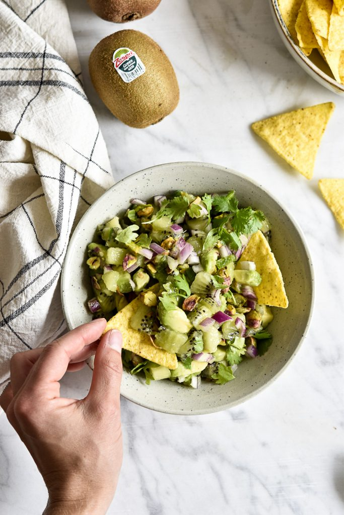 Kiwi-Pistachio-Salsa - plant-based, vegan, gluten free, refined sugar free - heavenlynnhealthy.com