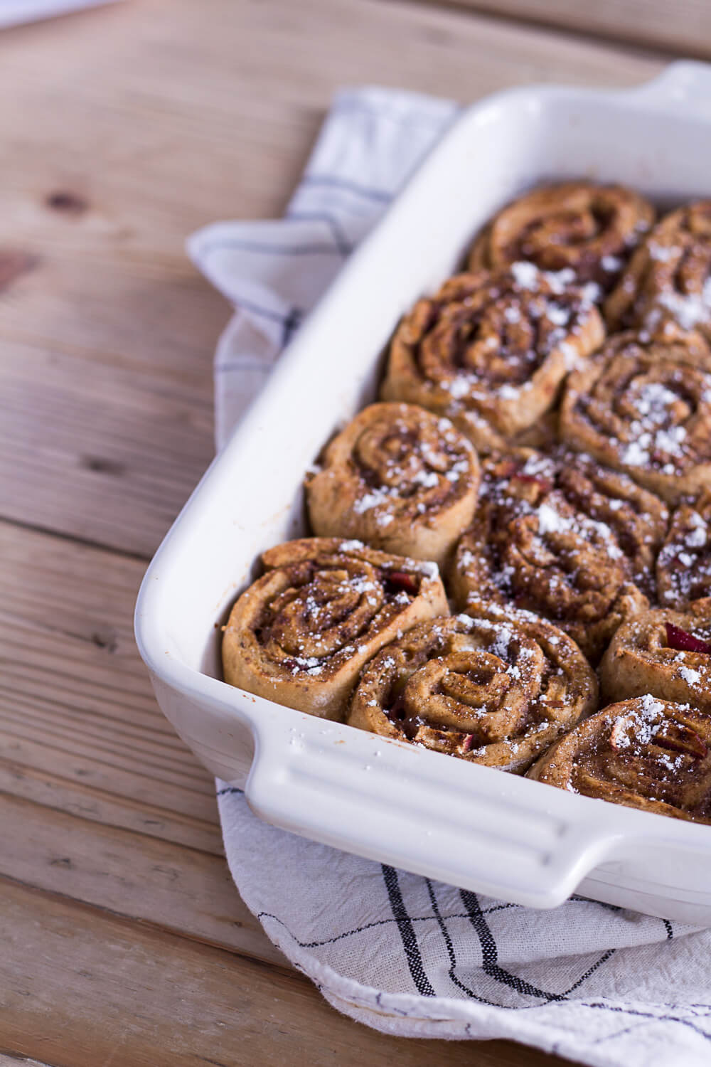 Healthier Apple-Cinnamon Rolls and a visit to a local apple farm with REWE