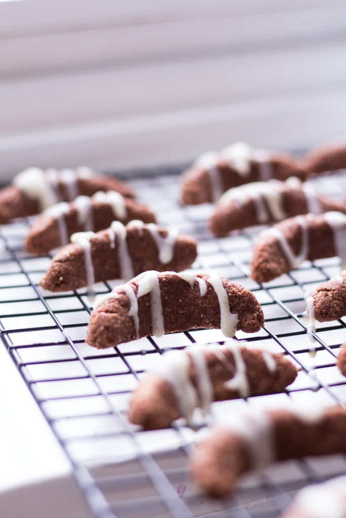 Healthy Chocolate Vanilla Crescent Christmas Cookies - plant-based, vegan, gluten free, refined sugar free - heavenlynnhealthy.com