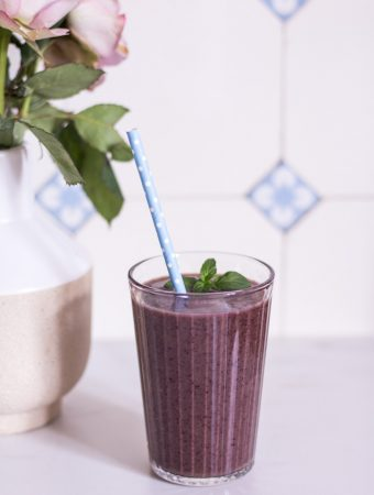 The ultimate blueberry power smoothie