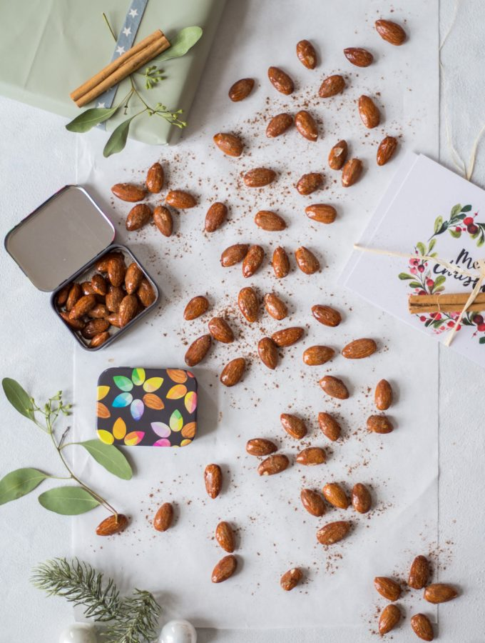 Christmas-spiced & roasted almonds - plant-based, vegan, gluten free, refined sugar free - heavenlynnhealthy.com